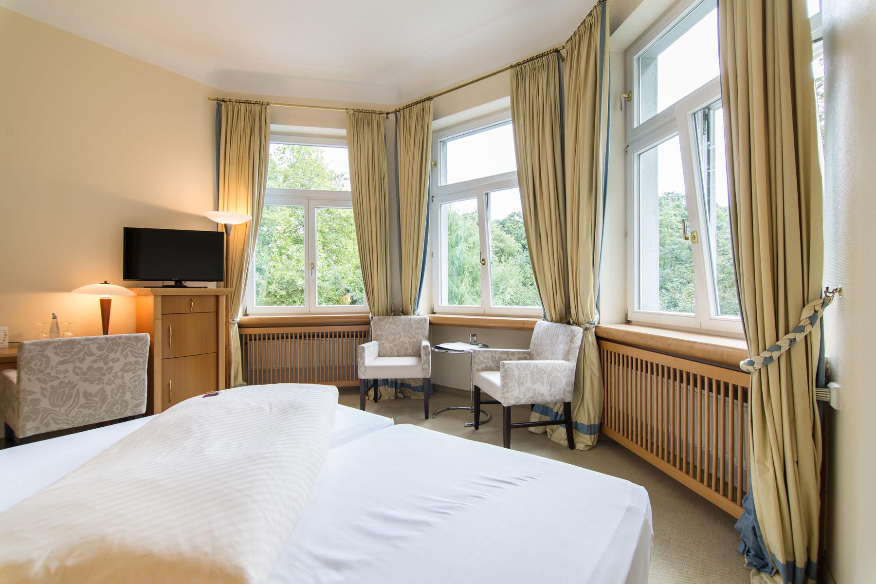 business doppelzimmer in essen waldhaus langenbrahm. Black Bedroom Furniture Sets. Home Design Ideas
